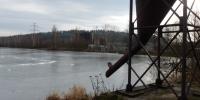 Místní tobogán u rybníka